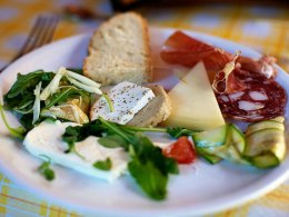 Wine & food tasting tours in Tuscany